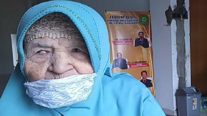 nenek 87 tahun di sumatera murka digugat anak kandung