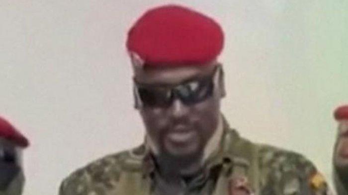 kolonel mamady doumbouya pemimpin kudeta guinea